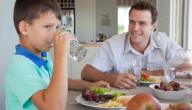 هل تناول الماء أثناء الأكل أمر ضار