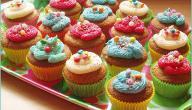 الأسباب وراء رغبة المرأة في تناول الأطعمة السكرية