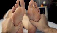 هل يوجد علاج لتنميل القدمين بالأعشاب؟ وما رأي العلم؟