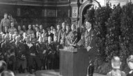 معلومات عن أدولف هتلر