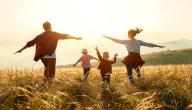 موضوع إنشاء عن بر الوالدين