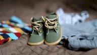 متى يجب على الطفل البدء بارتداء الأحذية