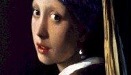 لوحة الفتاة ذات القرط اللؤلؤي: صاحبها، فكرتها، مكانها، وتاريخها