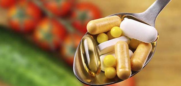 دراسة علمية تحذر من مخاطر تناول مكملات الفيتامينات