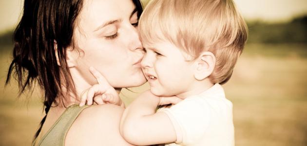 علاقة تقدم عمر الأم وعنايتها بأسرتها