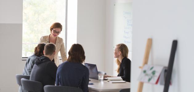 أهم قواعد الإتيكيت في مكان العمل