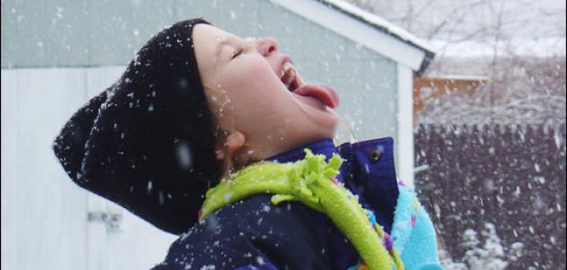 نصائح ليلعب الأطفال بالثلج بطريقة أمنة