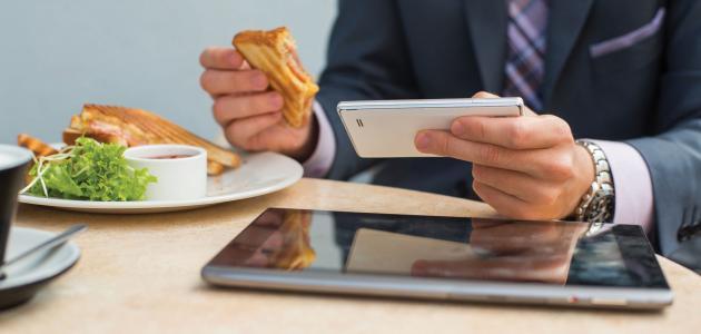 الأسباب الرئيسة لزيادة الوزن في مكان العمل