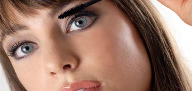 كيف يمكن لمساحيق التجميل أن تجعلك أكبر سنا؟