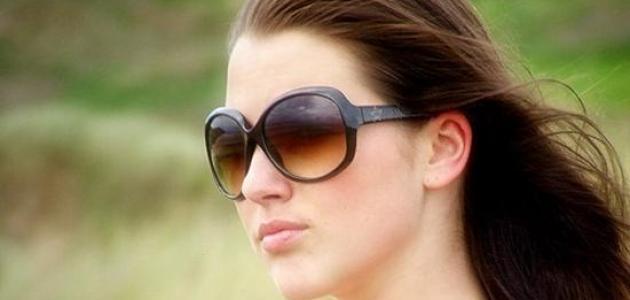 كيف نختار نظاراتنا الشمسية لحماية أكبر؟