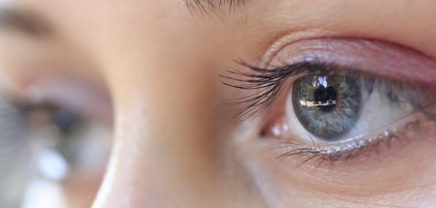 كيفية القيام بتمارين العين