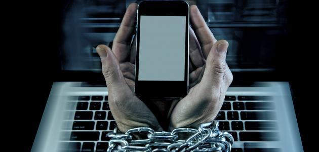 أعراض الإدمان  على الإنترنت
