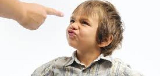 كيف تتعاملين مع طفل يتحدى التعليمات؟!!