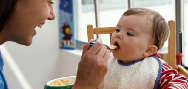 أطعمة الأطفال حسب المراحل العمرية