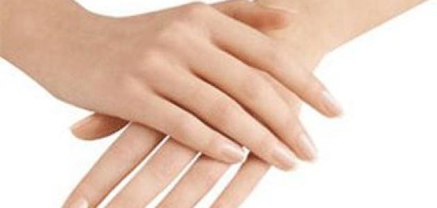 طرق تبييض اليدين وجعلها اكثر نعومة