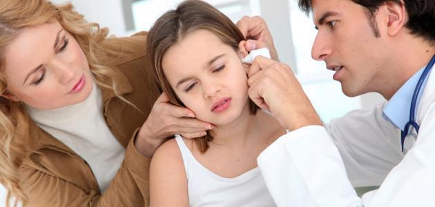 كيف تزيل الماء من الأذن