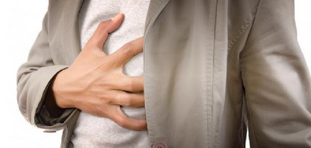 ما هي أعراض قرحة المعدة