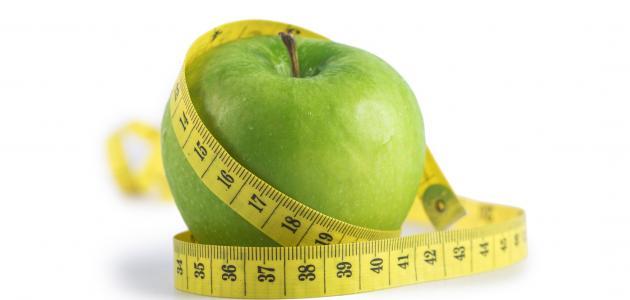 ماذا يمكن أن يفعل تناول تفاحة واحدة في وزنك؟