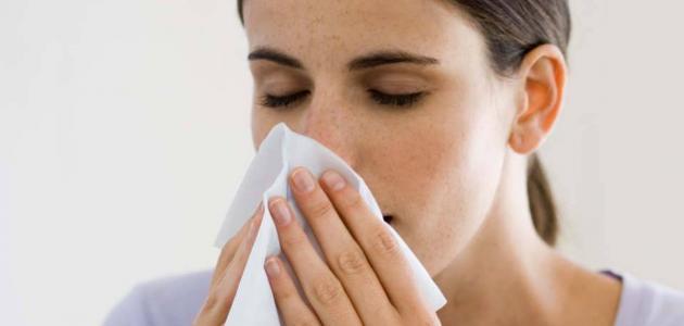 أعراض وأسباب سيلان الأنف