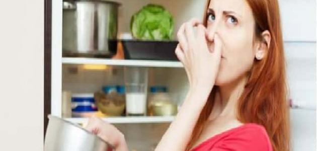 خطوات للقضاء على الرائحة الكريهة من الثلاجة