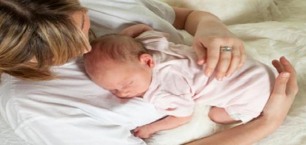 أسباب عدم وجود حليب في ثدي الأم
