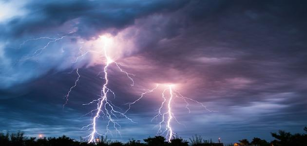 ما الفرق بين الرعد و البرق
