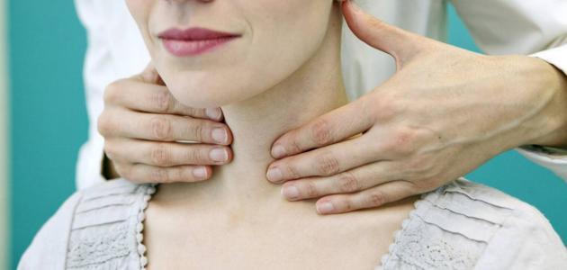 أعراض سرطان الغدة الدرقية