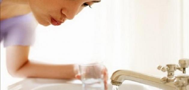 فوائد الماء والملح للأسنان