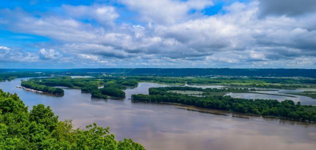أين يصب نهر المسيسبي
