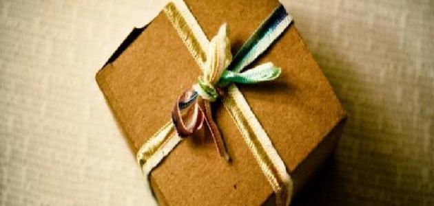 خطوات صنع علب الهدايا