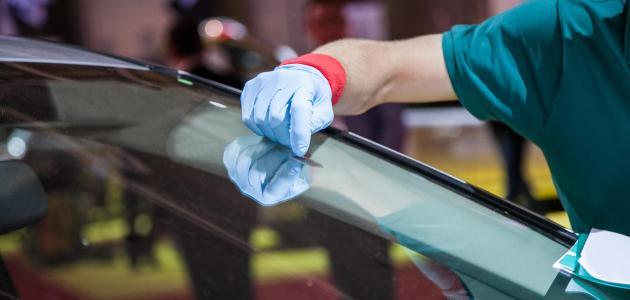 طريقة ازالة خدوش زجاج السيارة
