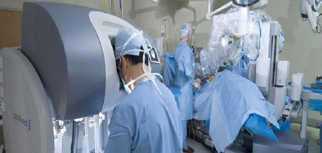 ألية وتطبيقات جراحة روبوتية
