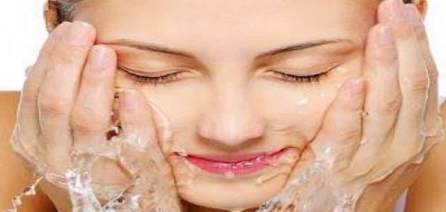 فوائد المياه المعدنية للبشرة