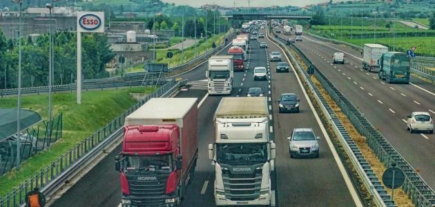 عوامل السلامة المرورية