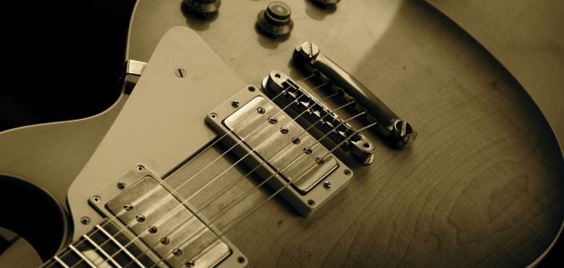 أنواع آلة الجيتار