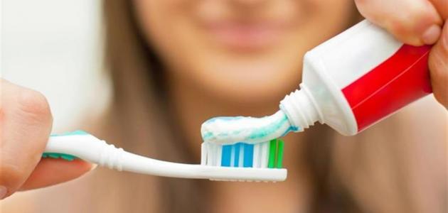 فوائد معجون الأسنان لحب الشباب