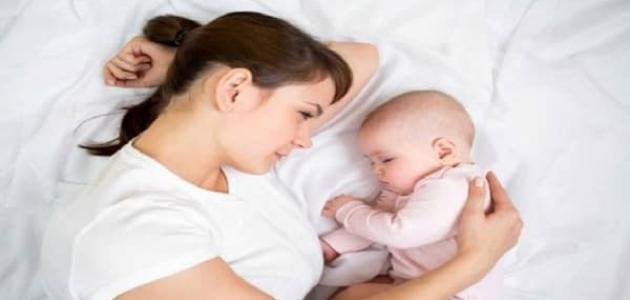 وصفات لزيادة حليب الأم