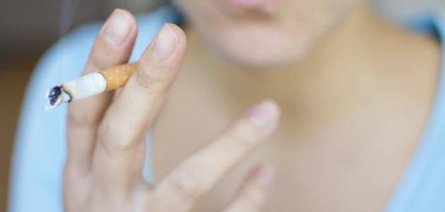 كيفية إزالة آثار التدخين من الشفاه