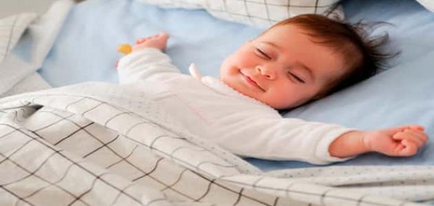 كيفية تدريب الطفل على النوم بمفرده