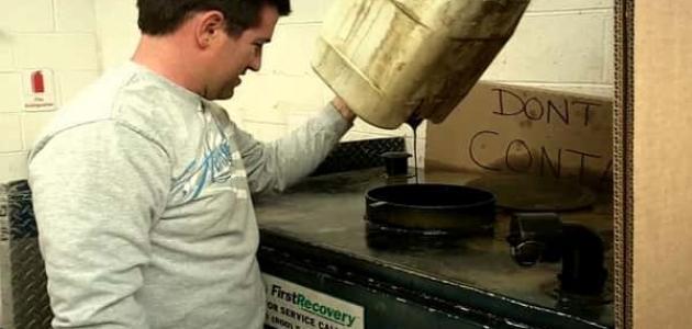 كيفية إعادة تدوير زيوت السيارات المستعملة