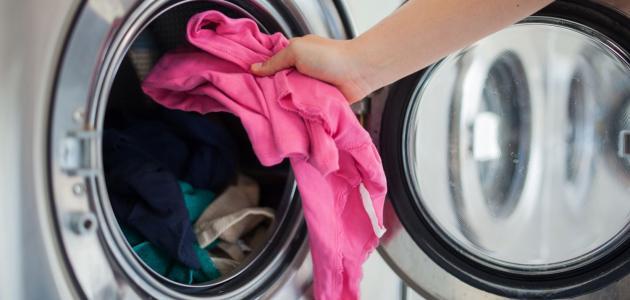 كيفية إزالة بقع الكلور من الملابس