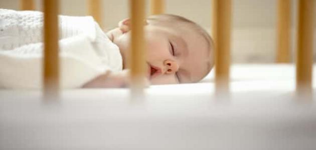 طرق تنويم الطفل الرضيع