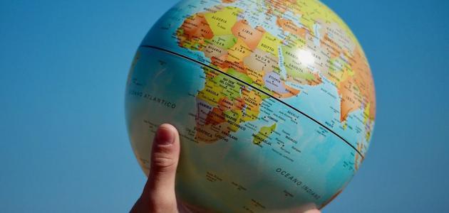 ما هي الدول التي يمر بها خط الاستواء