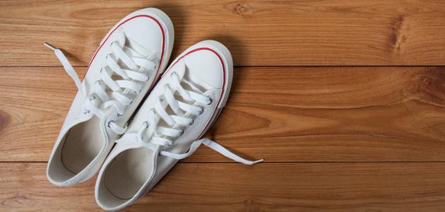 طريقة تنظيف الحذاء الأبيض
