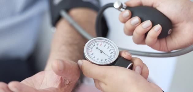 طرق السيطرة على انخفاض ضغط الدم