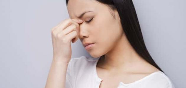 طرق علاج صداع العين