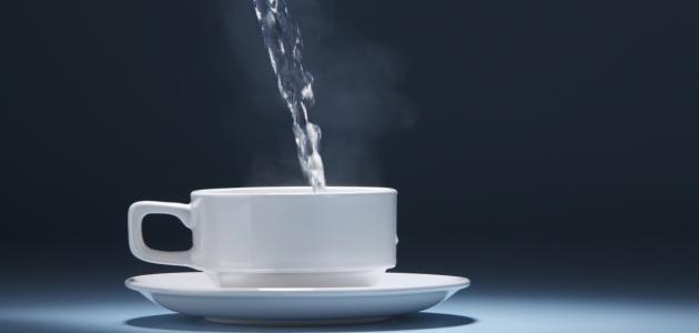 فوائد شرب الماء الدافئ
