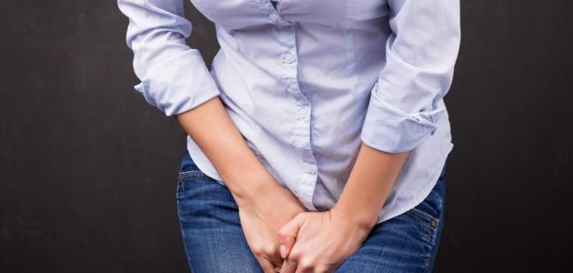 أعراض سلس البول