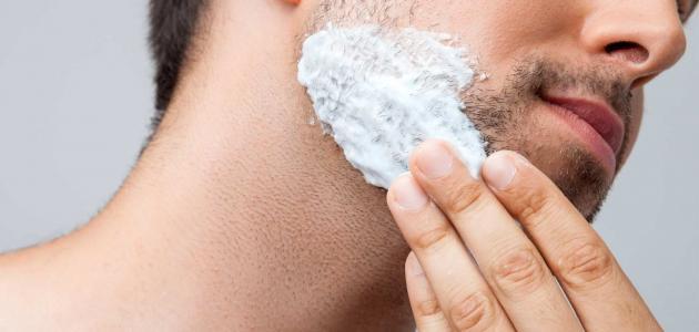 أسباب ظهور الشعر تحت الجلد