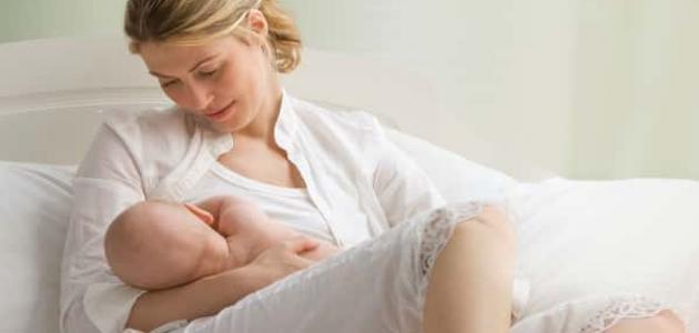 فوائد الرضاعة الطبيعية للأم